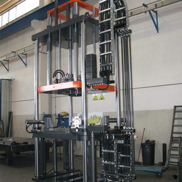 macchina bassa pressione per getti alluminio